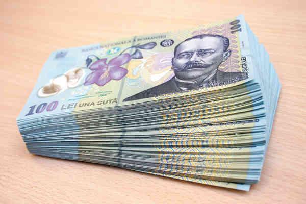 Câți bani fac femeile din spatele bărbaților care conduc Bistrița