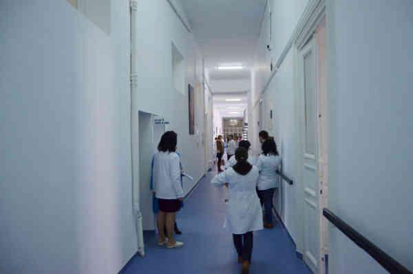 Medic clujean condamnat după ce a vrut să îi tragă în piept pe procurori