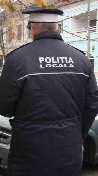 Trebuie reîncadrați pe posturi! Polițiștii locali concediați au câștigat încă un proces împotriva municipalității