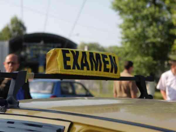 Proba practică a examenului auto va fi susținută și sâmbăta. Ce se întâmplă cu proba teoretică