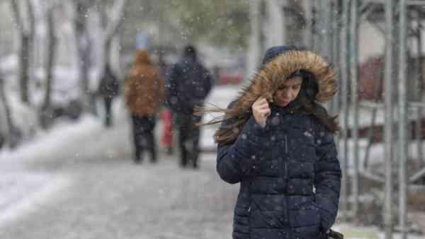 Vreme rea în BN, începând din această seară! Cât va dura și ce recomandă polițiștii