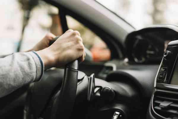 Se reiau examenele pentru permisul auto! Vezi când