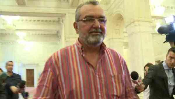 Consiliul Local Bistrița i-a retras titlul de cetățean de onoare fostului ministru PSD al Transporturilor, Miron Mitrea