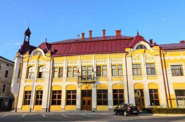 Masca de protecție devine OBLIGATORIE în Năsăud! Mesajul primarului Mircea Romocea