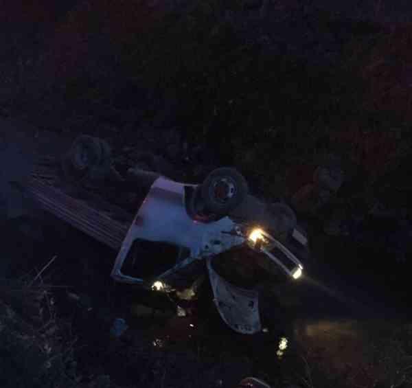 Mașină răsturnată în râul Gersa! Două persoane au ajuns la spital