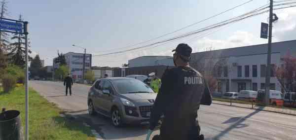 FOTO/VIDEO! IPJ BN: Vă rugăm să fiți responsabili și să respectați ordonanțele militare! Peste 180 de polițiști vor fi zilnic în stradă în perioada 1-3 mai