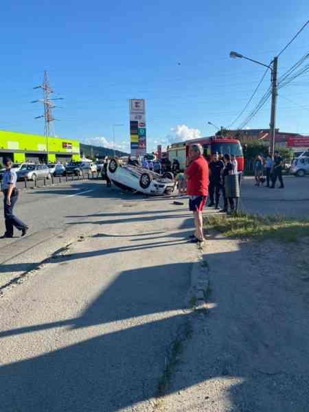Două persoane au fost rănite în urma unui accident care s-a produs în Bistrița