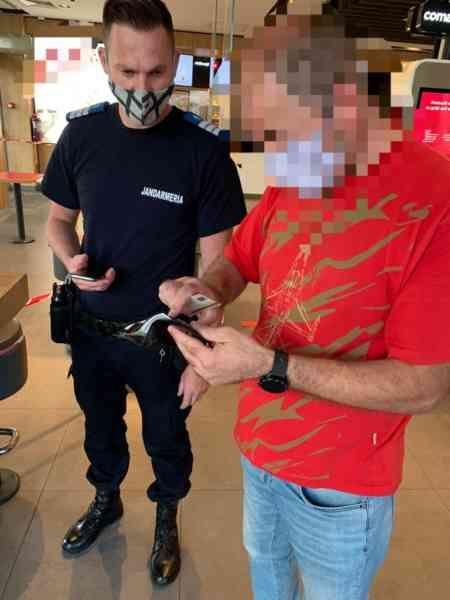 Un bărbat și-a pierdut portofelul plin cu bani și acte. Cine l-a găsit