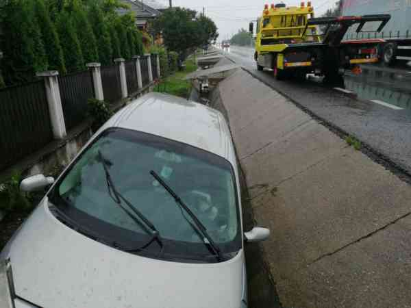 Femeie rănită într-un accident produs pe DN 17, în Rusu Bârgăului