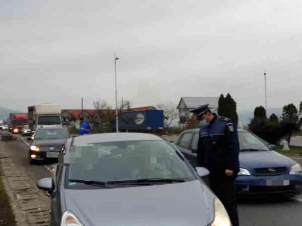 Peste 20.000 de persoane și autovehicule, controlate de forțele de ordine în prima zi de carantină